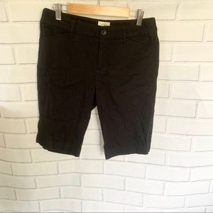 ST JOHNS BAY. Black Bermuda shorts. Size 6